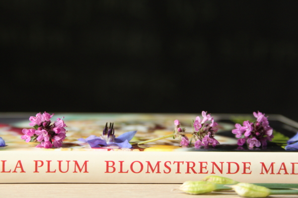 Giveaway med Plums bog om spiselige blomster